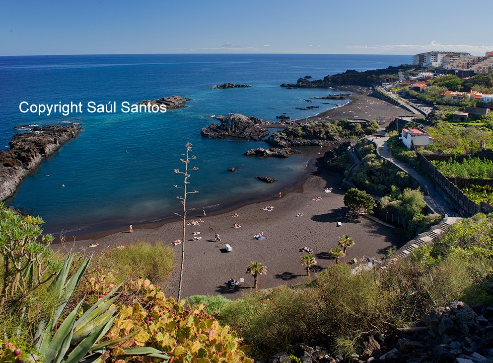 Sonne und Strand rund um das JahrDie Strände auf La Palma zeichnen sich durch ihre Sauberkeit und die Reinheit der Gewässer aus..